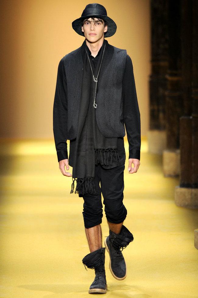 anndemeulemeester10 Ann Demeulemeester Spring 2012 | Paris Fashion Week
