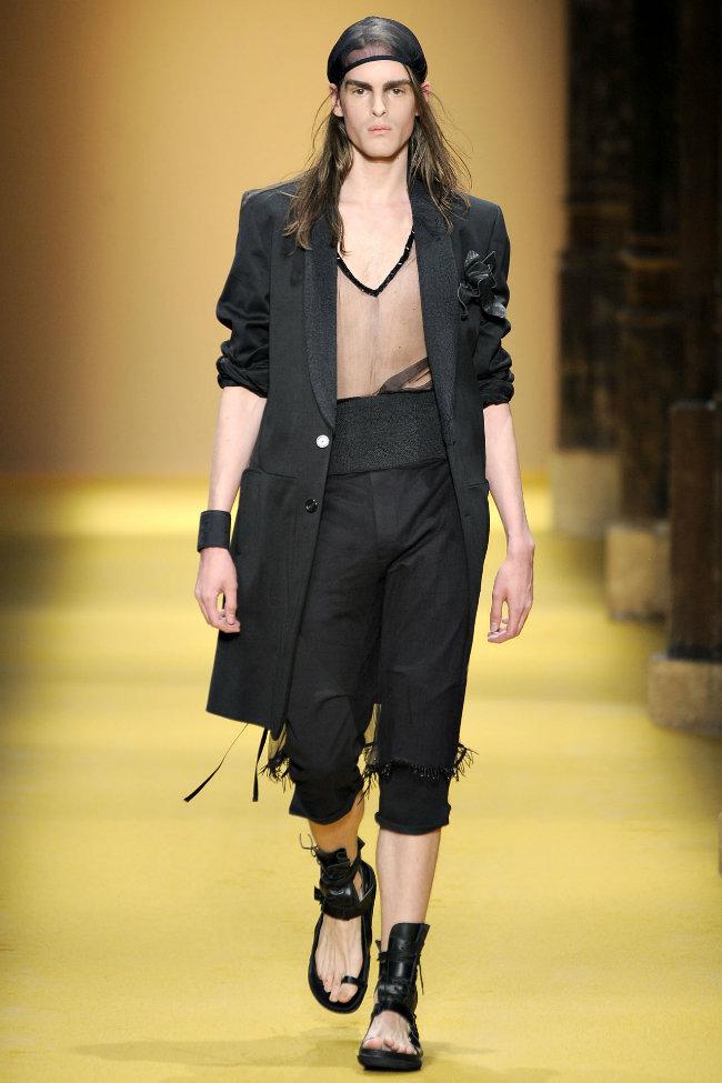 anndemeulemeester3 Ann Demeulemeester Spring 2012 | Paris Fashion Week