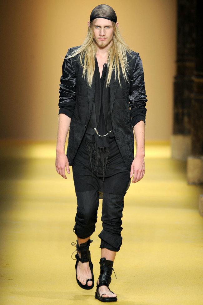 anndemeulemeester6 Ann Demeulemeester Spring 2012 | Paris Fashion Week