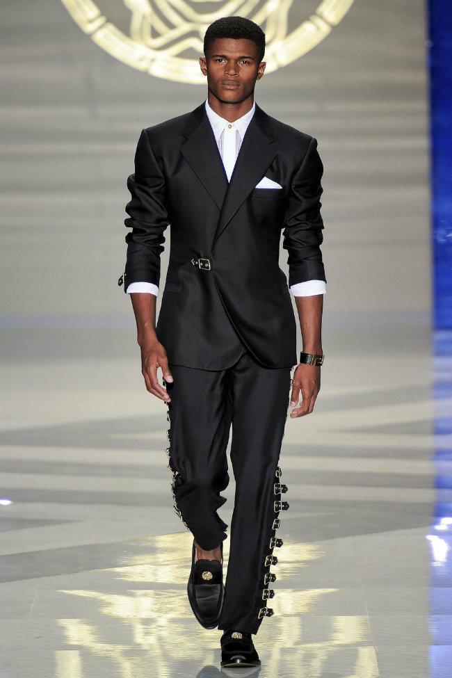 versace5 Versace Spring 2012   Milan Fashion Week