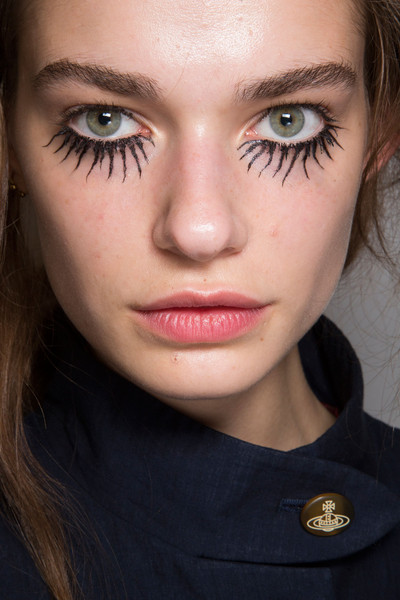 Halloween Makeup Inspiration From Runway | Vivienne Westwood Spring 2015