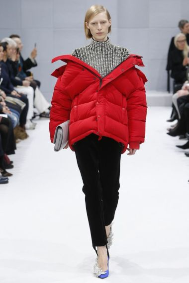 Balenciage, image courtesy of Vogue.fr