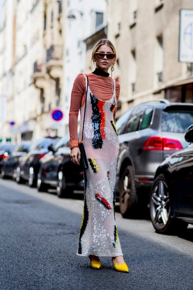 01-paris-haute-couture-fall-2018-street-style-red-turtleneck-printed-sequin-maxi-dress-yellow-heels