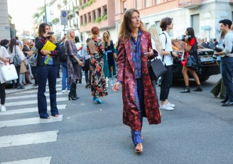 07-street-style-trends-spring-18-clashing-prints