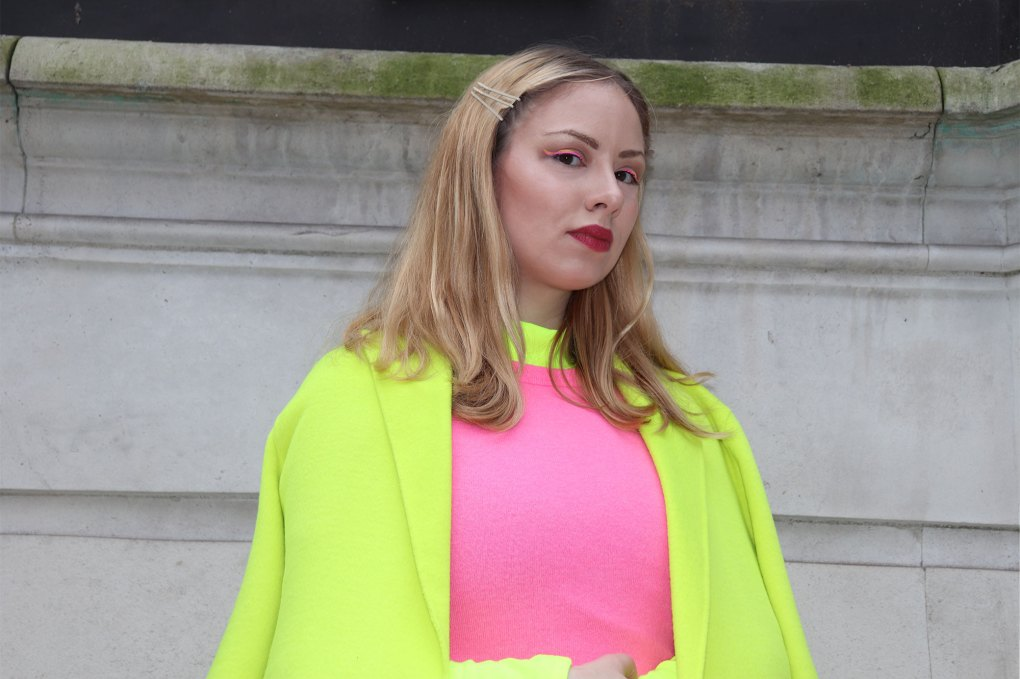 Neon outfit woman london fashion week zara coat jumper makeup eyeliner