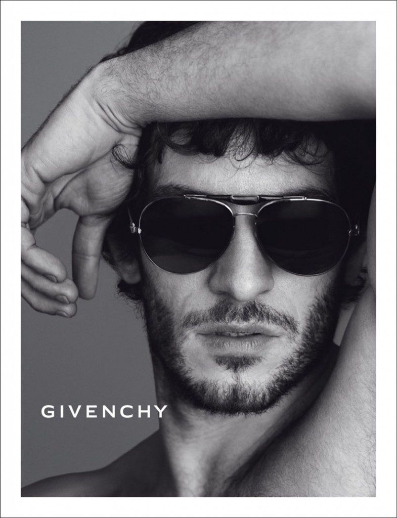 https://i0.wp.com/thefashionography.com/wp-content/uploads/2013/05/quim-gutierrez-by-mert-marcus-for-givenchy-fallwinter-2013-campaign-2.jpg