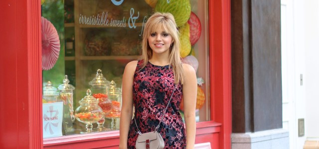 Amanda from TheFashionToFollow wears a Vince Camuto shift dress from the NSale. Perfect dress for summer to fall. Paired with a Chloe bag from Bagdujour.com. Use code ILOVEBAGS for 20% off.