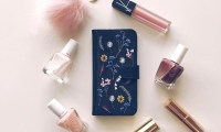 Essie gel review, Zero gravity phone case, charlotte tilbury, fashion to follow, fashion bloggers to follow, essie, 3 free nail polish, nail polish review, best nail polish