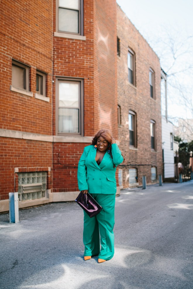 Chicago style blogger plus size fashion green 2 pic suit