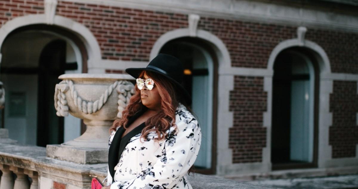 Top Chicago Blogger plus suit 2 piece suit thefatgirloffashion.com thefatgirloffashion the fat girl of fashion Rachel Roy RachelRoy