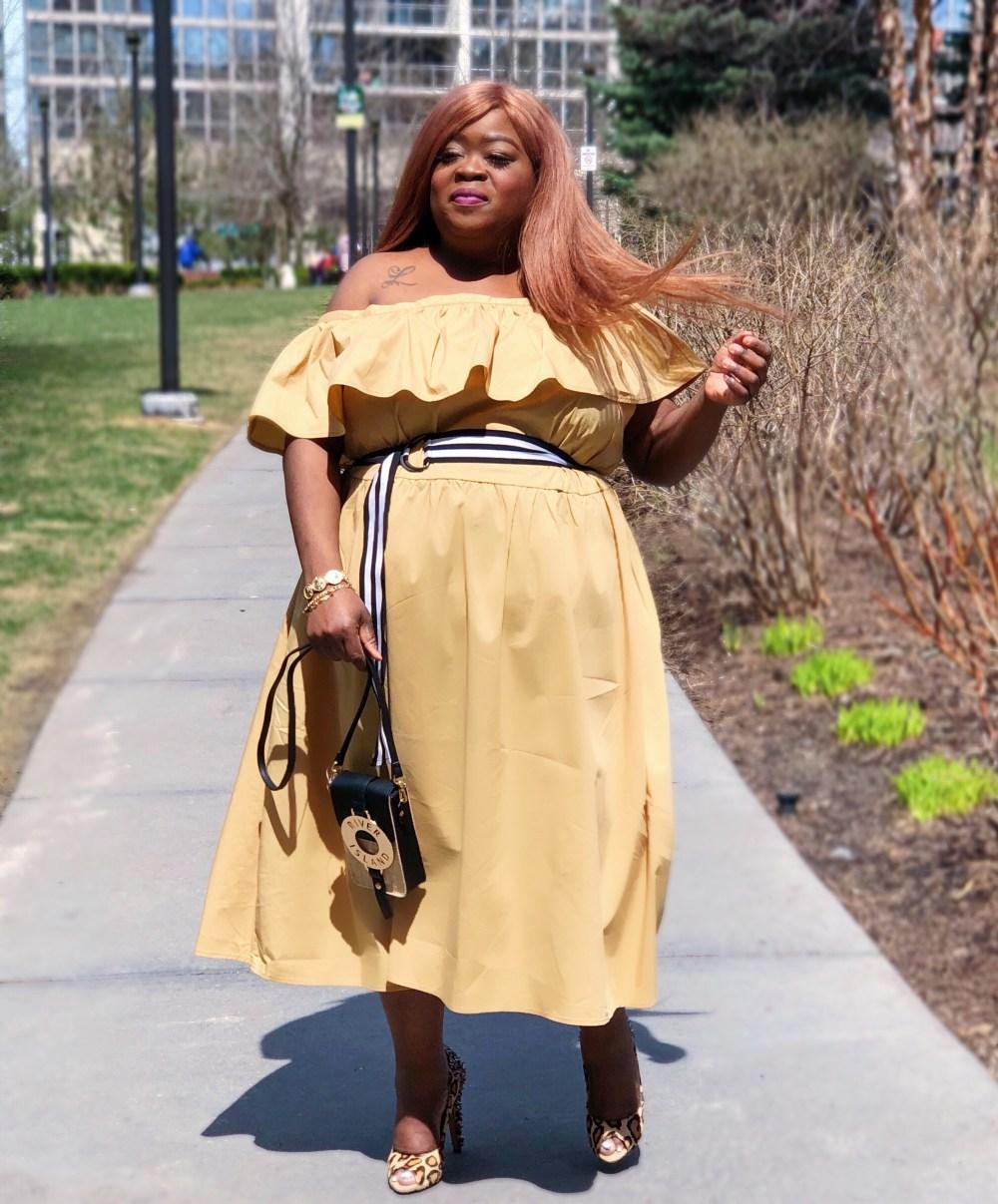 www - plus size fashion Shoulder Ruffle Midi Dress - Who What Wear Tan - plus size - rivers island - sam eldman - plus size blogger - fro plus fashion - chasi jernigan