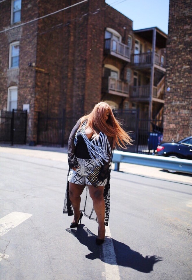 black and white body suit, shorts, plus size blogger, chicago