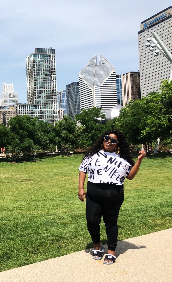 Chicago plus size blogger, Nike fanny pack sandal, Chicago, Taste of Chicago