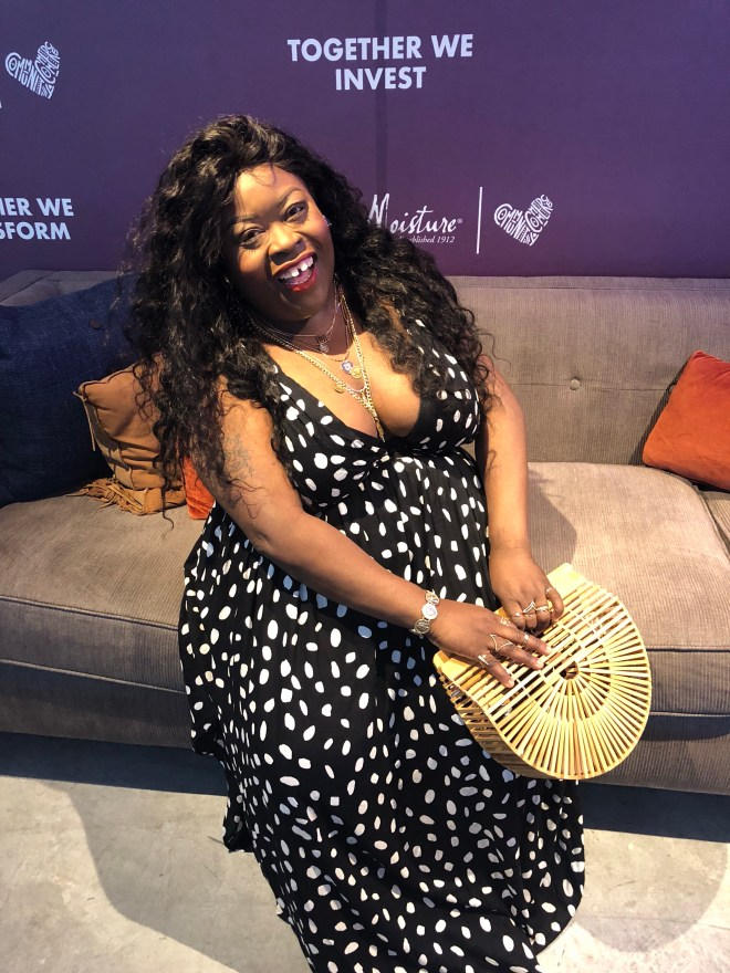 SheaMoisture's New Orleans pop-up shop, plus size polka dot dress, SheaMoisture, New Orleans, plus size blogger, how to layer gold chains, wooden clutch, Francescas Bali, Cult Gaia Gaia's Ark Small Clutch