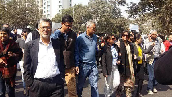 Team Of Journalists Headed By Barkha Dutt Leaves For Pakistan To Have Peace Talks with Terrorists