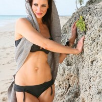 Kirsty Gallacher (Presenter)