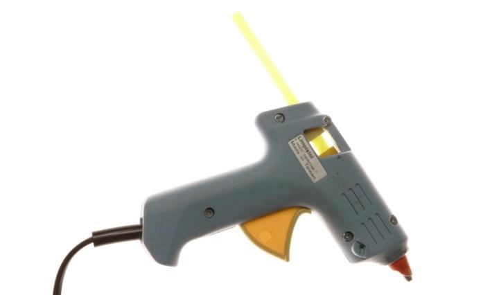 Melt glue gun for fly tying