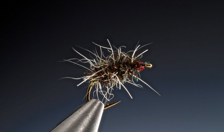 fly tying Matt's Gnat a Griffith's dry fly