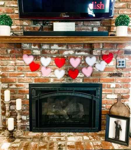 valentine's day diy fabric garland