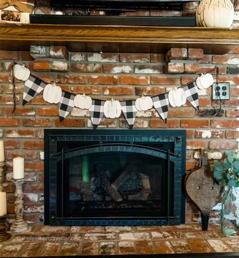 fabric pennant garland with pumpkins