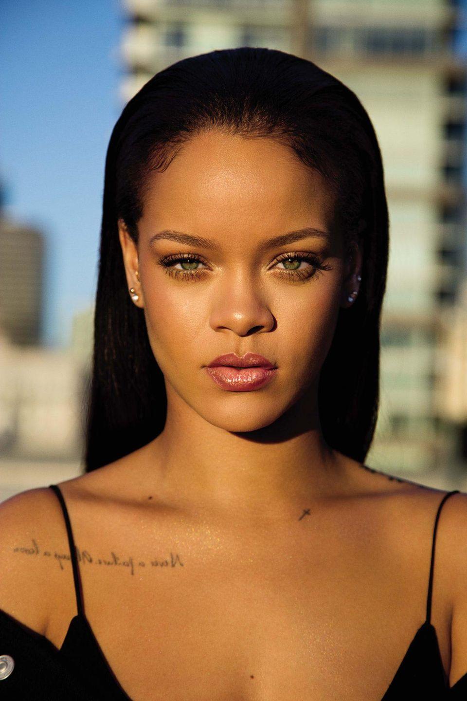 Rihanna & Lil Uzi Vert Did the 'Futsal Shuffle' on Instagram Live – The  Feature Presentation