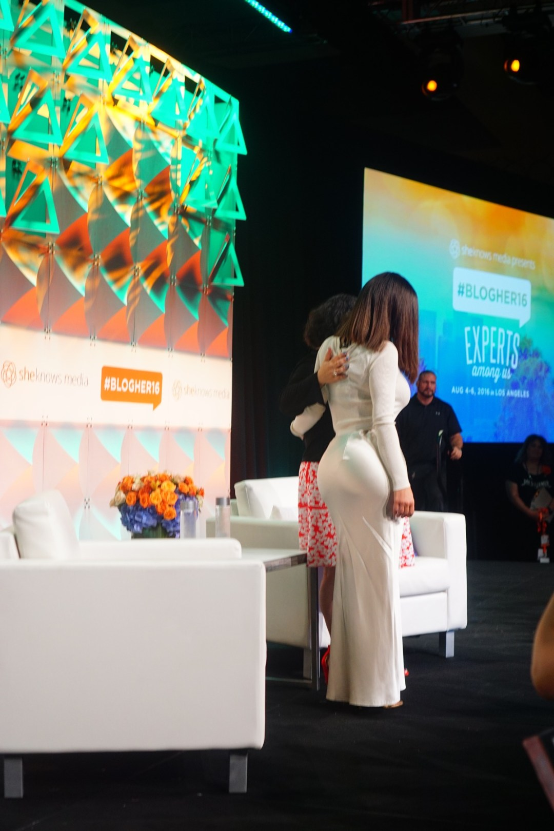 Why Going to #BlogHer16 Alone Worked In My Favor