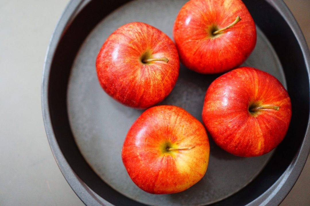 Cinnamon Apple & Chicken Stuffed Acorn Squash