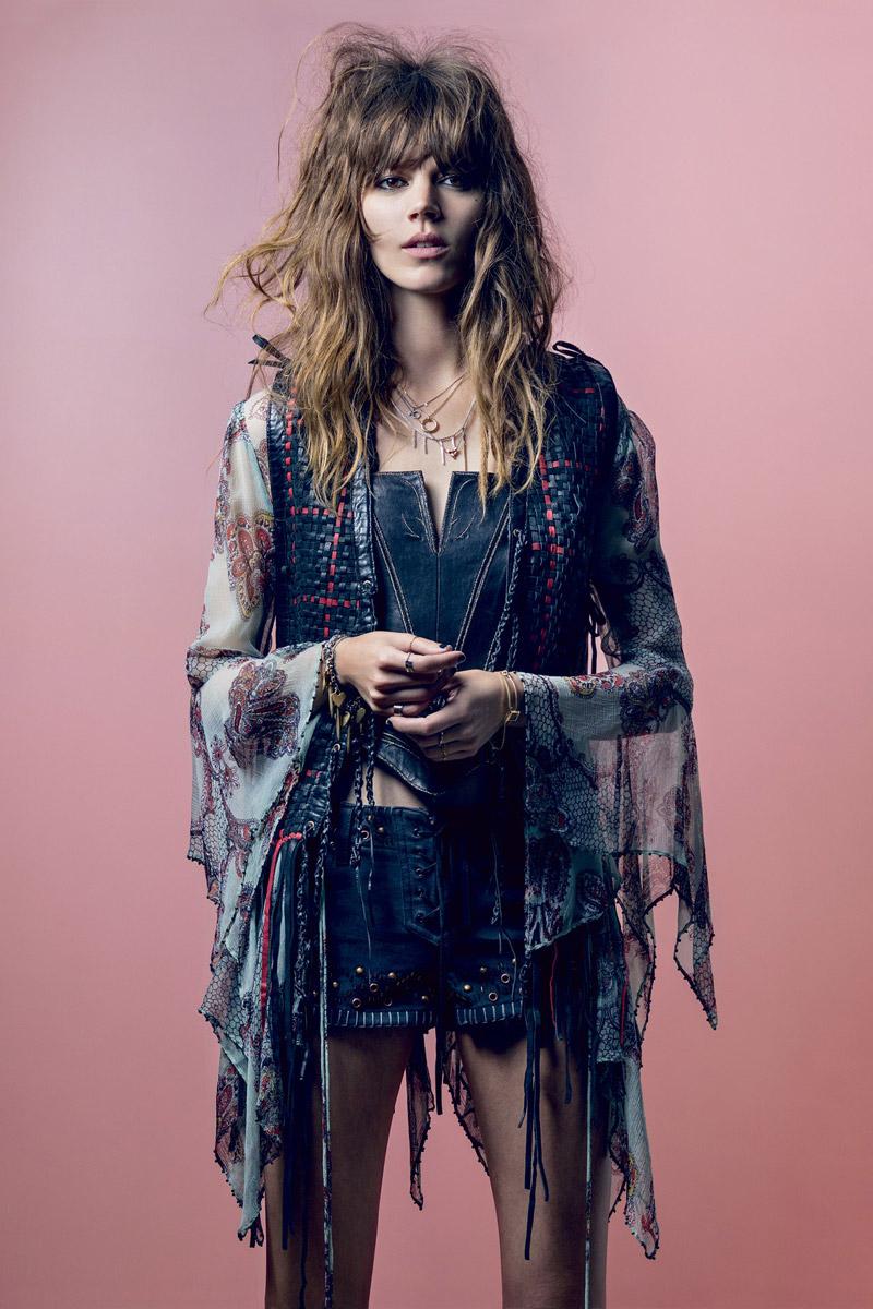 Kate Moss身穿Topshop聯名系列服裝 。登上Vogue及Harper's Bazaar封面 - The Femin