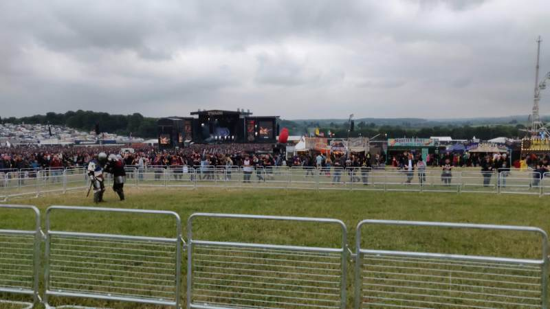 Dragonforce on the Main Stage