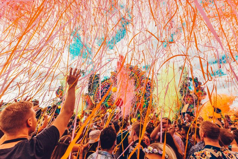Elrow Town London Streamers