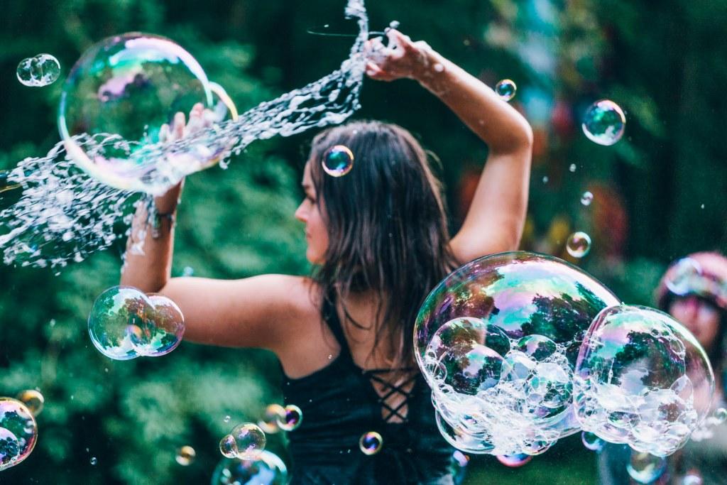 Arts by the Sea: Squidge & Pop bubble show