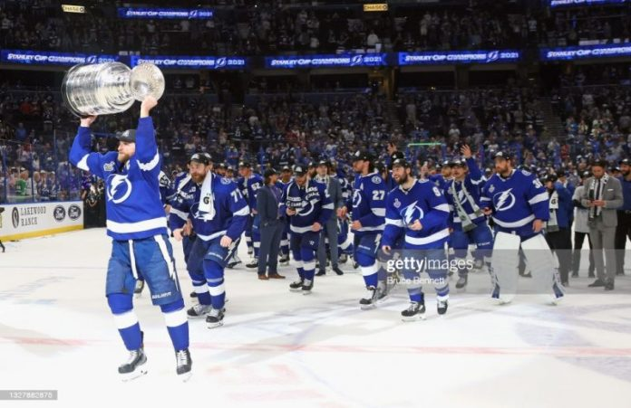 Will the Bolts hoist the Stanley Cup again in 2022?