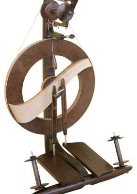 Kromski Fantasia Spinning Wheel Walnut with Clear Accent