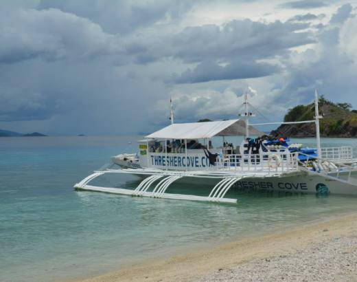 4-day island hopping experience in the Philippines 4