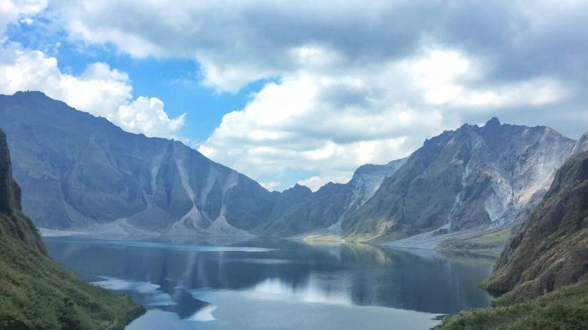 DAY TOUR GUIDE: Mt. Pinatubo in Philippines