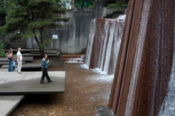 Keller Fountain Park in Portland, OR image: Brendan Scherer via Flickr