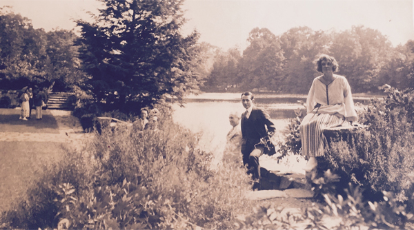 Garden party at Wyndygoul, lakeside parterre, circa 1920s image: Dr. Pamela Steiner, Steiner Family Collection