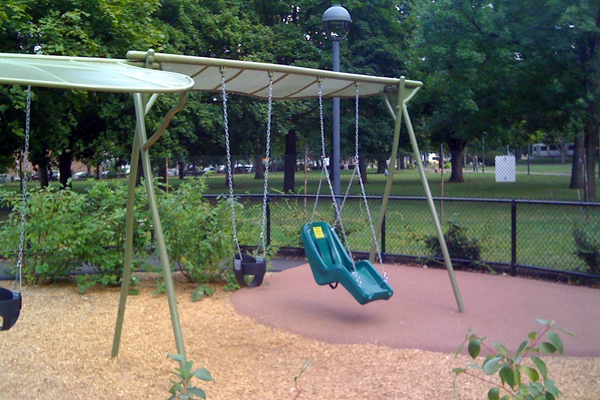 Different types of swings placed next to each other encourages children of differing levels of ability to participate together. image: Amy Wagenfeld