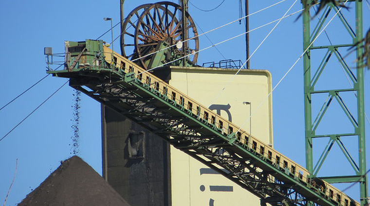Ore processing as seen from Zinc Lakes playground. Image: L Kristensen