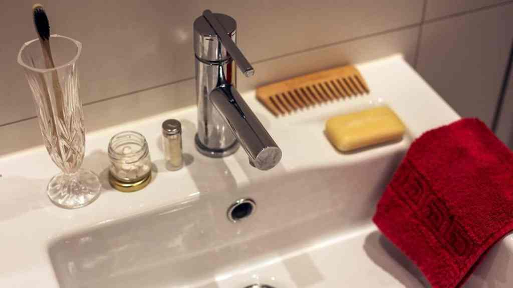 zero waste bathroom accessories that millennials could buy