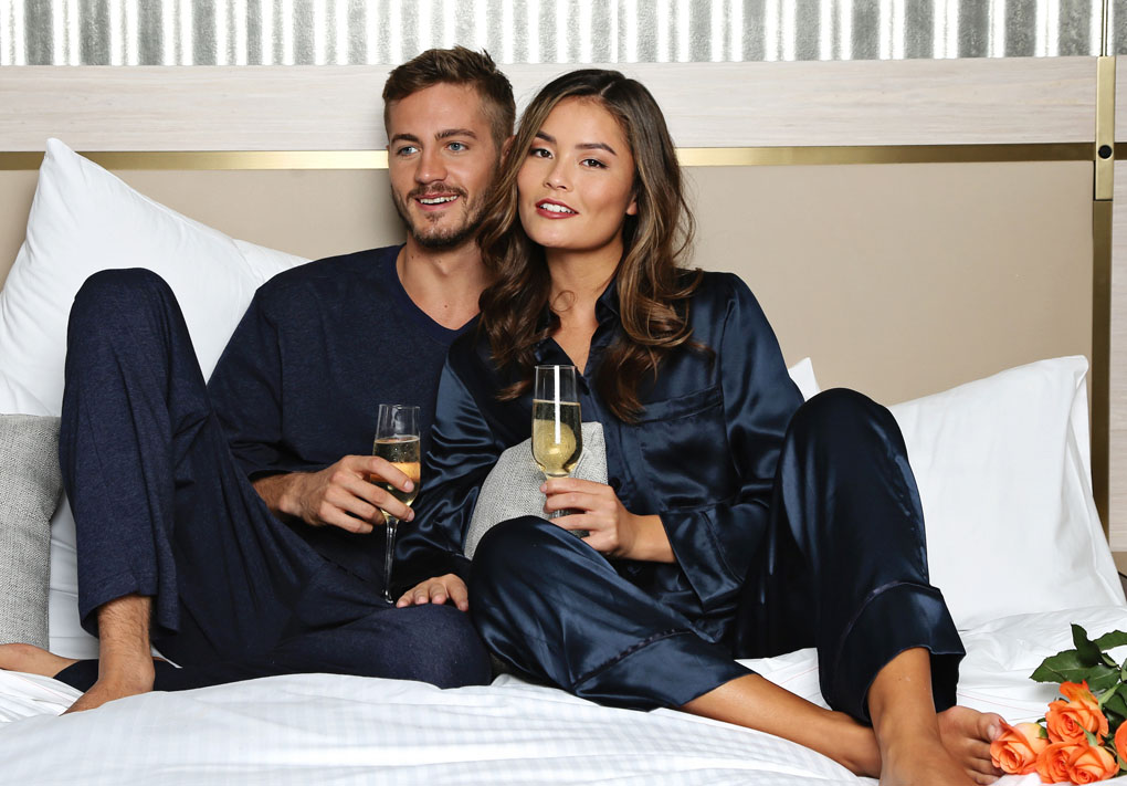 1 Papinelle Radisson couple with champagne