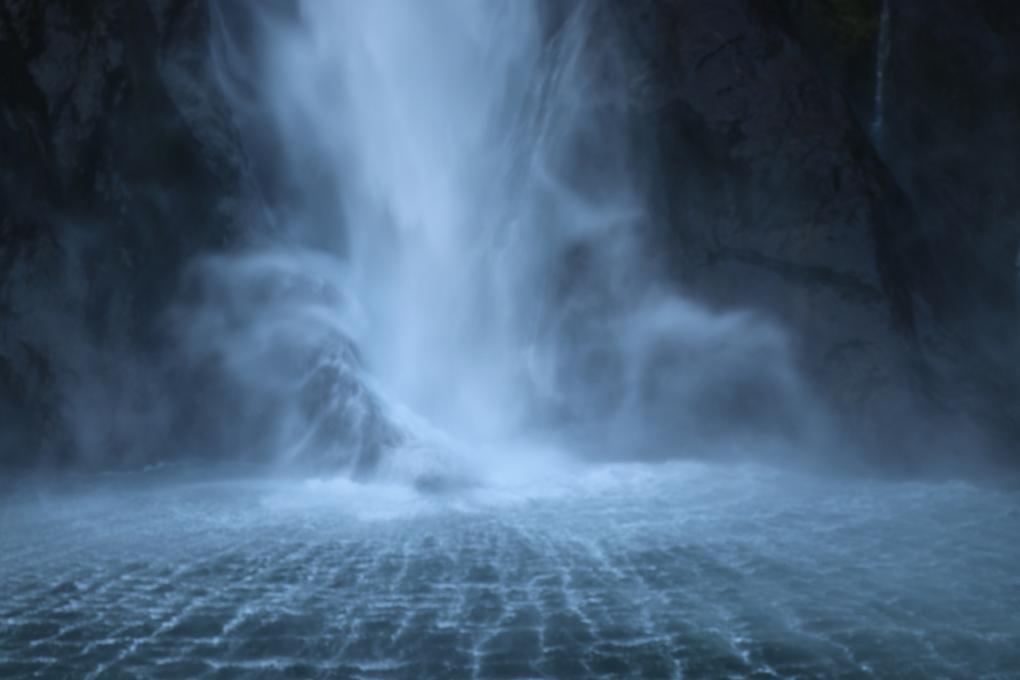 Milford Sound, waterfalls on Milford Sound, overnight stays on Milford Sound, Fiordland Jewel