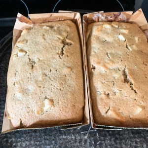 Apple Spice Cake in Pans