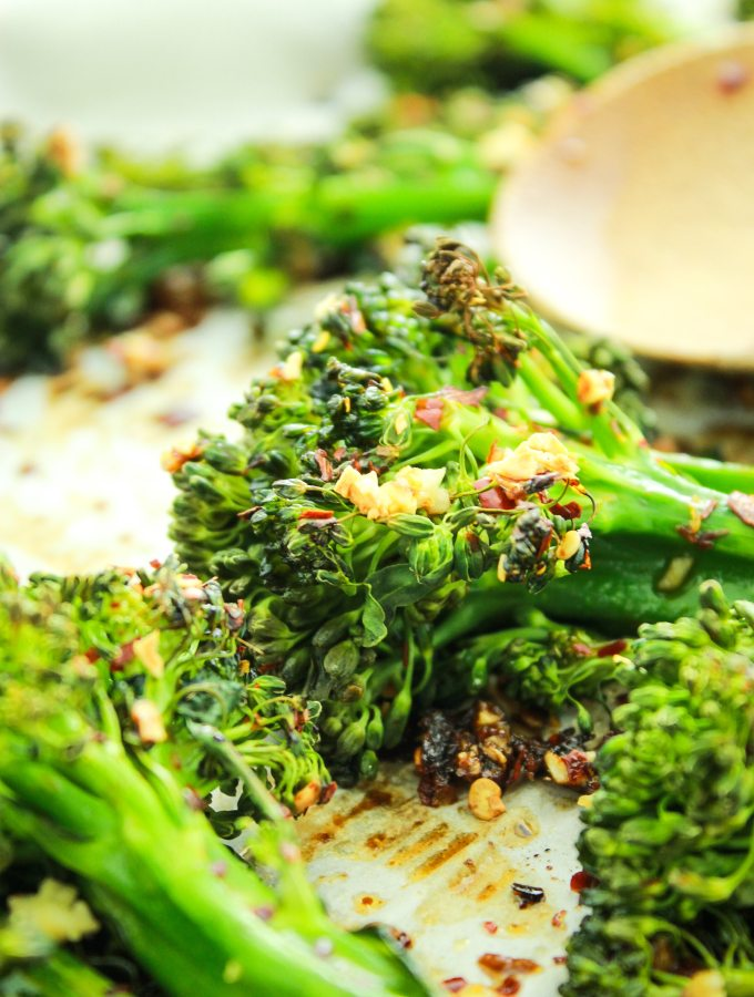 Easy Garlic Roasted Broccolini