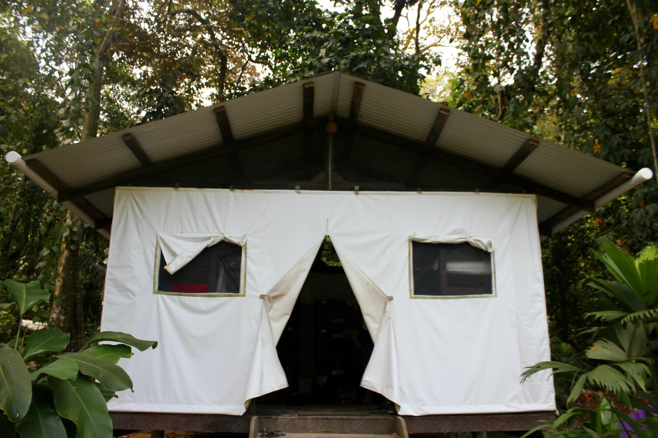 At first we thought that the dorm tents would potentially be noisy but we lucked out and had an awesome respectful group of people in our dorm. & Glamping at Palmar Tent Lodge - The Five Foot Traveler