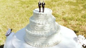 gty_gay_wedding_cake_jt_131207_copy_16x9_992
