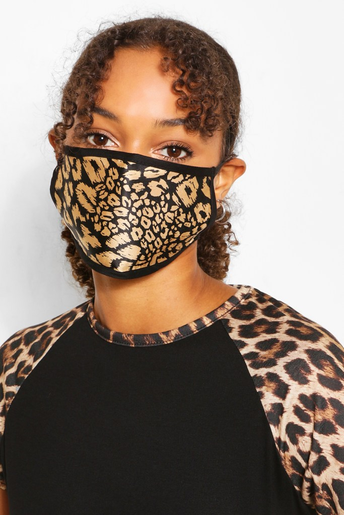 leopard-mask-outfit