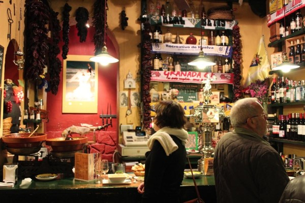 Flamenco bars in Madrid - Interior of Taberna Sanlúcar