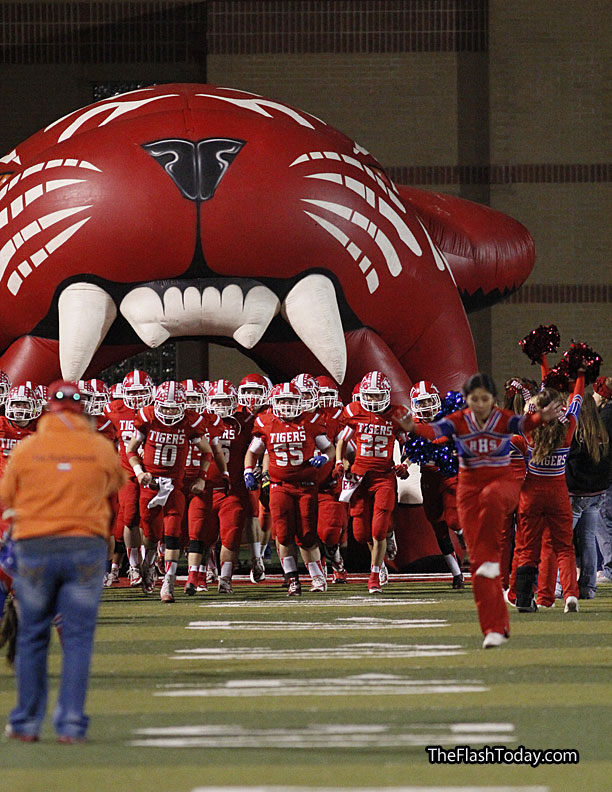 Hico charges into the 2A Division I quarterfinals to play Mart at 7:30 p.m. Friday at Waco ISD Stadium. || Photo by RUSSELL HUFFMAN