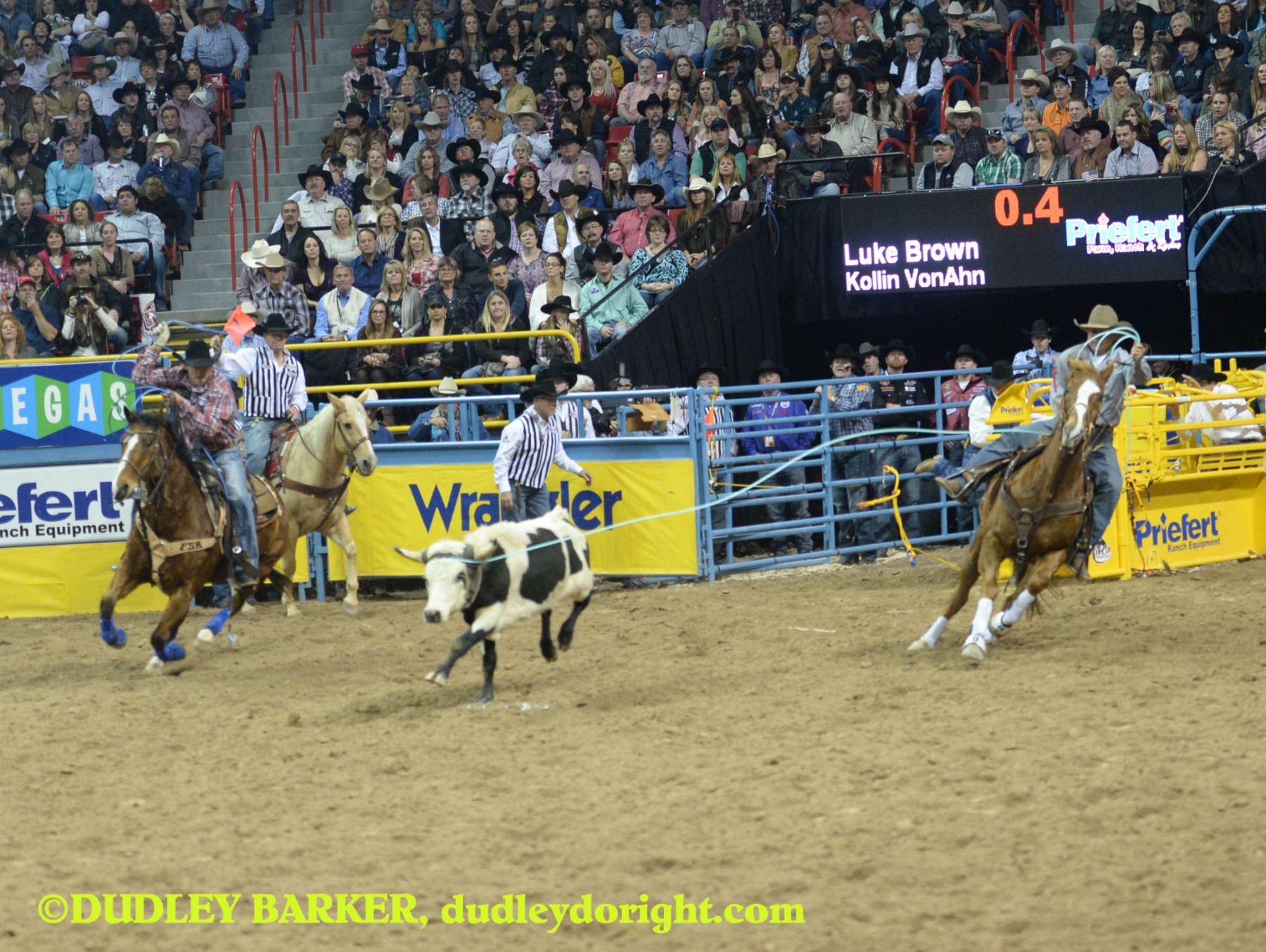 Luke Brown and partner Kollin VonAhn won the round four team roping. They are shown competing in round three. || Photo by DUDLEY BARKER, dudleydoright.com